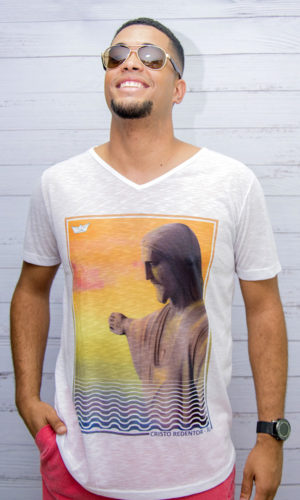 Camiseta – Long Aquarela Cristo